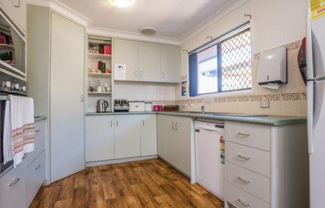 Mount Gravatt Arafmi House_Kitchen and Dining Area